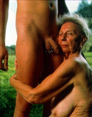 фото сосут старушки