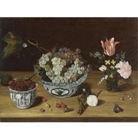 natura morta con fiori, uva e more by isaac soreau