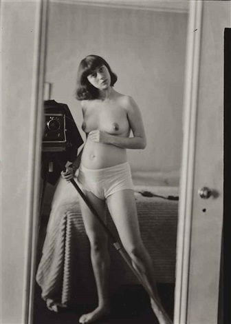 self portrait pregnant nyc by diane arbus
