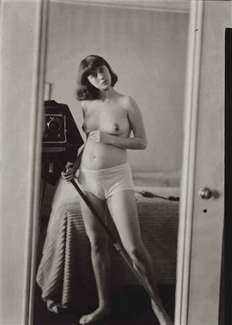self portrait pregnant nyc by diane arbus