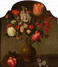 nature morte au vase de fleurs sur un etablement by hans bollongier