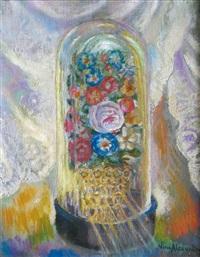 fleurs sous une cloche de verre by nina alexandrowicz