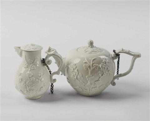 a meissen tea and a milk pot