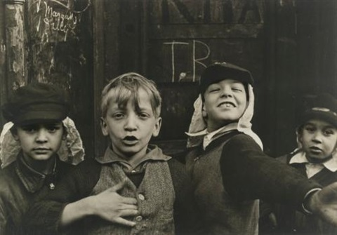 nythe foreign legion by helen levitt