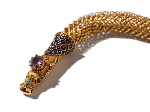 empire gold snake necklace woven in gold around 1810