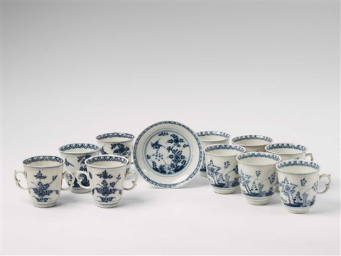 a set of 11 meissen blue and white porcelain objects