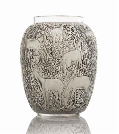 biches vase, no. 1082 by rené lalique