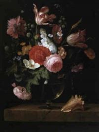 bouquet de fleurs pos, sur un entablement de pierre by pieter gallis