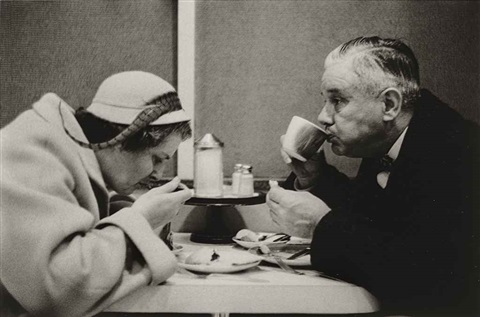 couple eating nyc by diane arbus