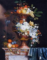 riche vase en pierre sculptée, agrémenté de fleurs et de fruits posé sur un entablement de marbre by martin van dorne