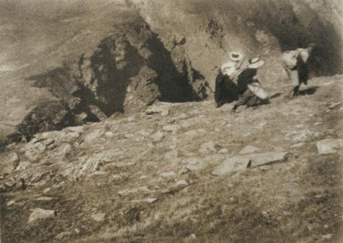 bergwanderung by heinrich kühn