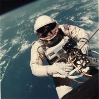 ed white. première sortie extravehiculaire américaine survol du nord d'hawaï (gemini iv, 3 juin 1965) by james mcdivitt