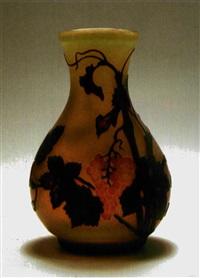 vase vigne by a. clain & perrier fils