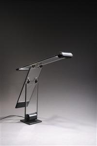 lampe oblique à double bascule by yonel lebovici