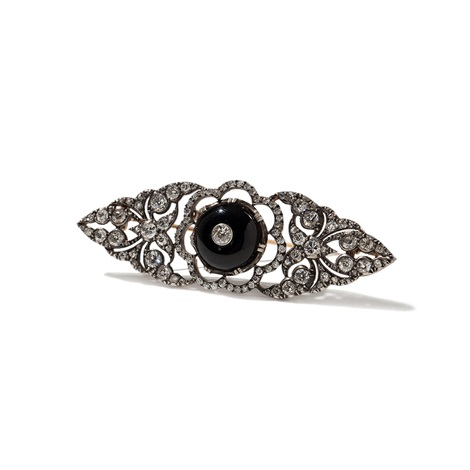 diamond brooch with 6 carat and an onyx cabochon around 1890