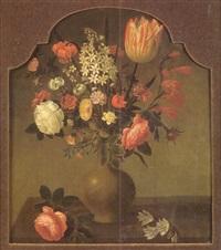 nature morte au vase de fleurs sur un entablement by hans bollongier