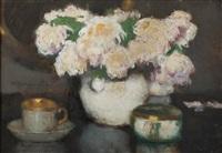 białe kwiaty z filiżanką by alfons karpinski