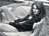 kate moss on lounge chair i, glen cove, ny, for italian vogue, december by sante d'orazio