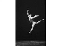 mikhail baryshnikov danse au théâtre des champs elysées by francis apesteguy