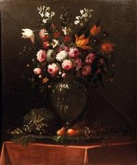 bouquet de fleurs aux fruits et bouquet de fleurs aux noisettes et au verre (pair) by benito espinos