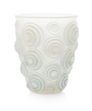 spirales vase by rené lalique
