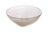coquilles large opalescent glass bowl by rené lalique