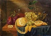 stillleben mit zitrone, trauben und pflaumen by guilliam van deynum