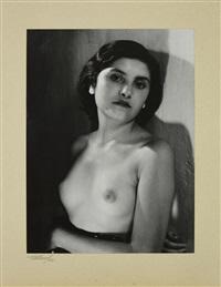 portrait de femme en buste by maurice tabard