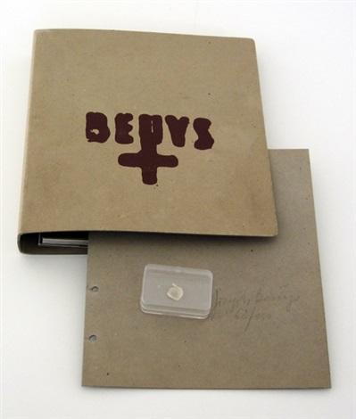 fingernagelabdruck aus gehärteter butter by joseph beuys