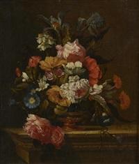 vase de fleurs sur un entablement by jean-michel picart