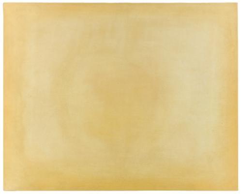 spazio luce monocromo giallo by francesco lo savio