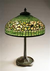 dogwood border table lamp by tiffany studios