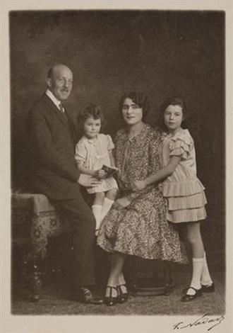 portraits de mr gaumont créateur de la compagnie cinématographique et de sa famille 3 works by paul nadar