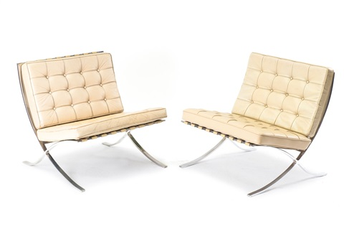 Zwei Barcelona Sessel By Ludwig Mies Van Der Rohe On Artnet
