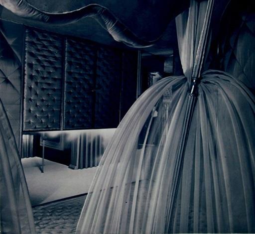 Schlafzimmer in der Casa Devalle, Turin by Carlo Mollino on artnet