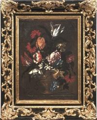 composizione di fiori entro vaso in metallo sbalzato by italian school-roman (17)