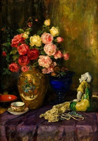 zátiší s porcelánovou a hyalitovou vázou by luma von flesch-brunningen