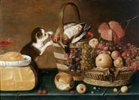 chat devant du gibier sur un entablement avec un panier de fruit et du fromage by le maître au chat
