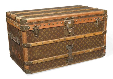 courrier trunk by louis vuitton