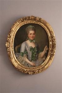 portrait de femme assise à la robe parme et noeuds verts, tenant un éventail dans sa main gauche by françois hubert drouais