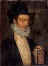portrait d'homme à mi-corps tenant un missel by françois clouet