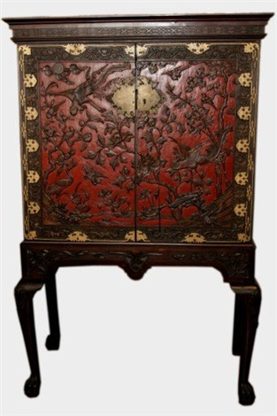 export carved lacquered cabinet on stand 19th c