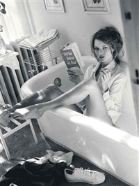 kate moss reading in bathtub, glen cove, ny, for italian vogue, december by sante d'orazio