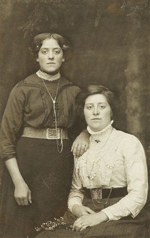 untitled portrait of two ladies by august sander