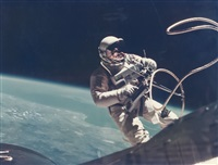 first us spacewalk - ed white's eva (extra vehicular activity), gemini 4, 3 june 1965 by james mcdivitt