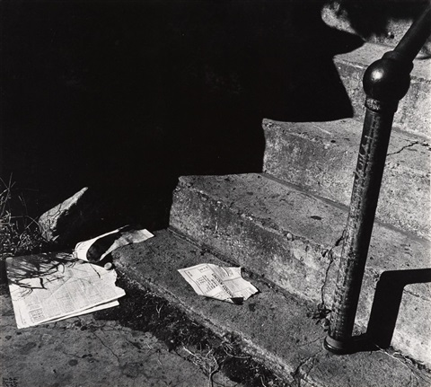 steps with newspapers by ilse bing