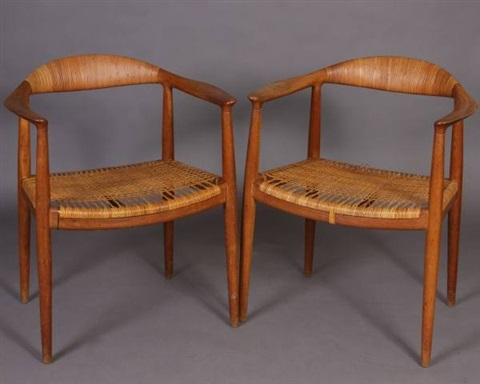 the round chairs pair by hans j wegner
