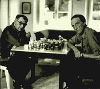 man ray & marcel duchamp jouant aux échecs by michel sima