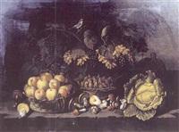 nature morte aux raisins, figues, pêches et oiseau by aniello ascione