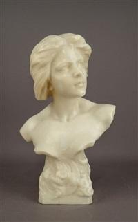 buste de jeunne femme au croissant de lune by richard aurili